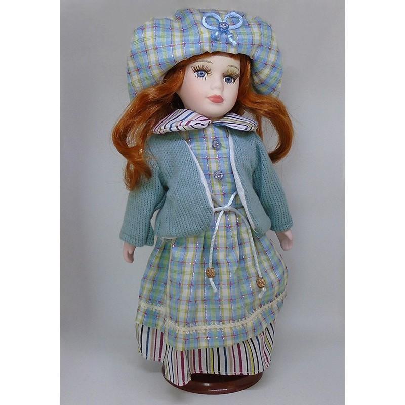 Porcelánová bábika Amália 32