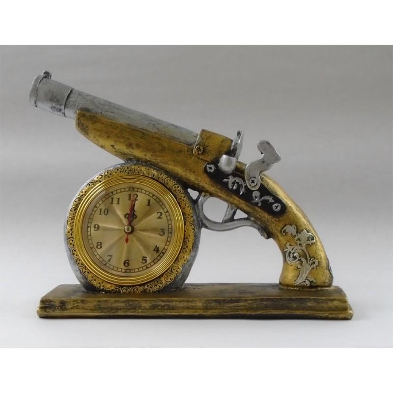 Hodiny stará pištoľ