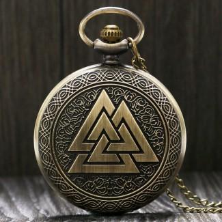 Vreckové hodinky tri prepojené trojuholníky