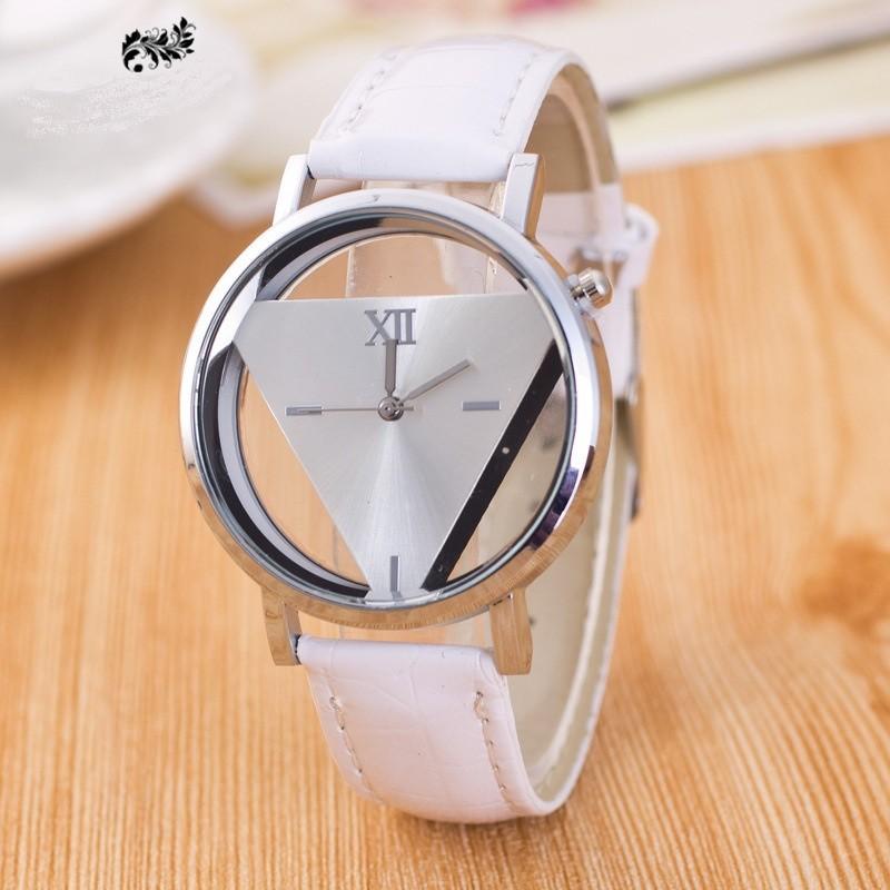 Dámske náramkové hodinky trojuholník B