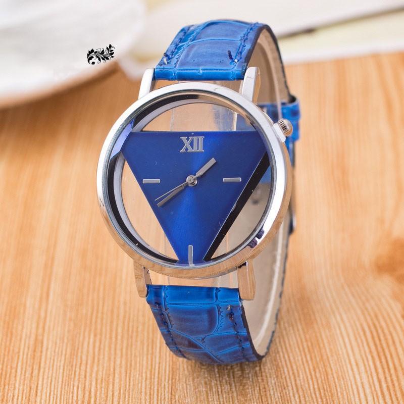 Dámske náramkové hodinky trojuholník M